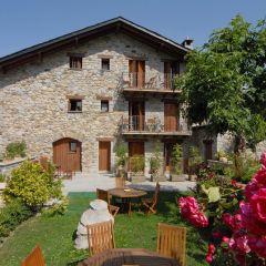 Hotel Casa Cornel  (Huesca)