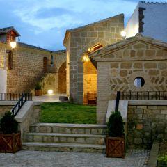 Casa Cavez y Casa Del Jardín (Huesca)
